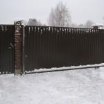 Откатные ворота зимой